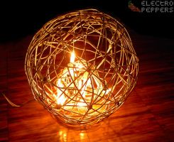 Spheric Wire Lamp by electropeppers