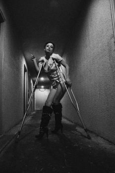 Juliet Crutches 2 by hollistreetman