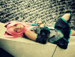 Luka, why are you dressed as Miku? by mindless-cosplay