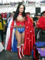 wonder woman cosplay at comic con colombia 2015 by hipolyta25