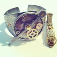 Bracelet and Hair Clip by NBetween