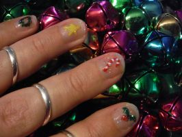 Christmas nail art - left hand by Amazinadrielle