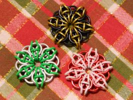 Celtic circle pendents by XOcylessXO