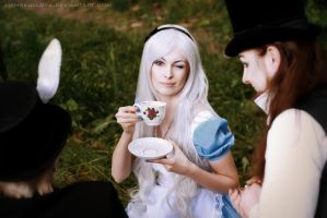 Alice and a Mad Tea-Party (cosplay) by LienSkullova
