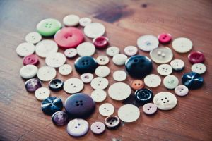 128/365 Button Heart by photographybyteri