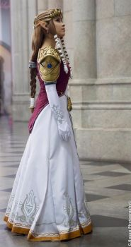 Princess Zelda from Twilight Princess Cosplay by LayzeMichelle