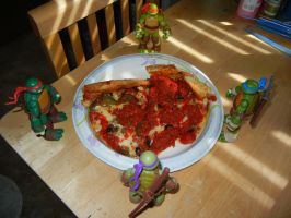 Teenage Mutant Ninja Turtles 2012: Pizza Time!!! by FlowerPhantom