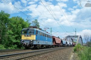 V43 1133 with freight on the bridge in Budapest by morpheus880223