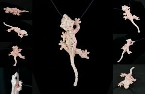 Dal Crested Gecko Necklace by IllusionTree