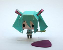 Chibi Miku Papercraft by Kittyintheraiyn