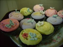 hand painted choco/fondant cuppies by alcat2021