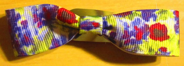 Bow made with ribbon by 1Kamichama