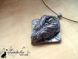 Pendant Silver Shadow Sinhelm by Tantalia