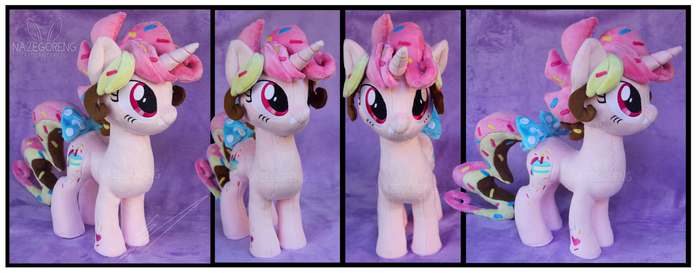 Phii Sa Cake Custom Plush by Nazegoreng