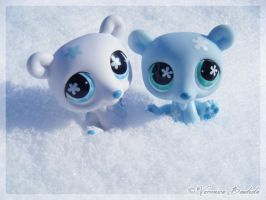 Littlest Polar Bears by Dynamene-Dolls