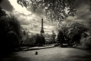 Paris in IR-I by EvranOzturk
