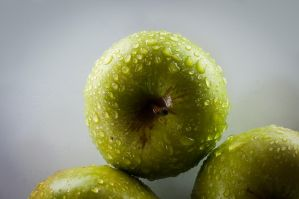 Apples o3 - Water Droplets by TiRiSh