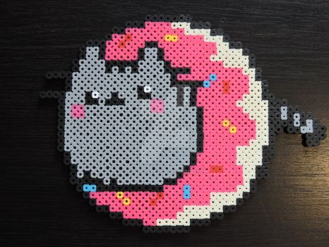 Doughnut Pusheen Perler by IrishPerlerPixels