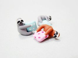 Cute sloth necklace - polymer clay by Melarin