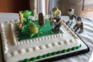 Plants vs zombies cake by Reverie09