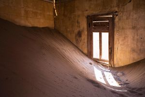 Hourglass by paikan07