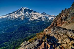 Mount Rainier from Pinnacle Peak by arnaudperret