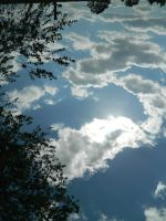 etranges nuages by Insertjoke-here