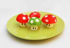 1-Up Mushroom Meringue Cookies by callykarishokka