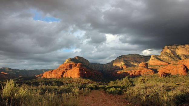 Late Afternoon Sedona by vseger