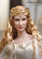 Repaint of Tonner Galadriel by mary-vassilieva