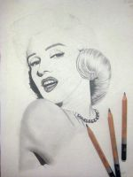 Marilyn Monroe 2/3 by jayiria