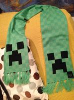 Creeper scarf by NessaMorgoth
