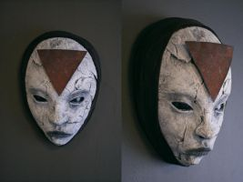 Mask - 'Rust triangle' by torvenius