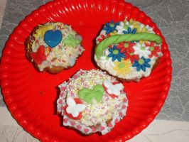 Cupcakes - 11/03/15 - Mom's Plate by Toothless6reach