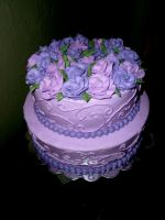 purple roses cake by pinkshoegirl