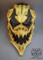 Finished Harlequin skull mask by Bakenekoya
