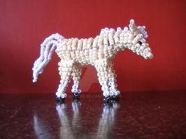 Beaded horse 1 by naztaz