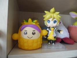 Pineapple and Kagamine by Stich-tyan