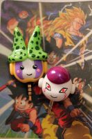 Cell e Freeza plug celular by theredprincess