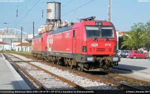 Two CP 4700s Shunting 080411 by Comboio-Bolt