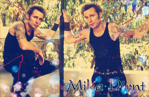 Mike Dirnt by aiechan