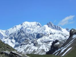 paysage du beaufortain mont blanc by angeloup