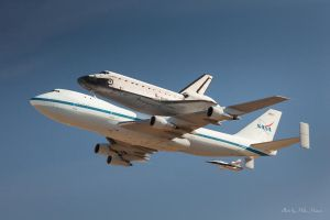 Space Shuttle Endeavour and 747 low pass at Mojave by CheshirePhotographer