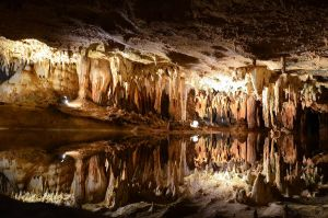 Luray Caverns by xthumbtakx