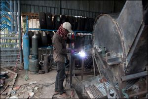 welding with sunglassess by watto58