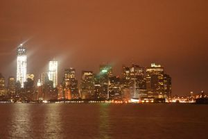Lower Manhattan at night by ebonneau