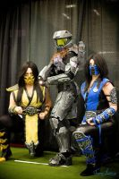 Halo and Mortal Kombat cosplay by kitnipz