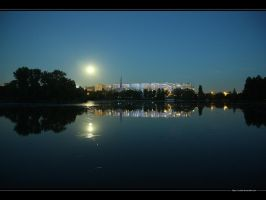 Moonlight upon the lake by vxside