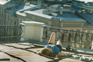 The queen of roofs 3 by Lesley-Jade