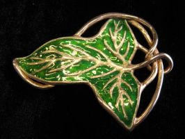 Leaf Brooch -enameled by obiskus